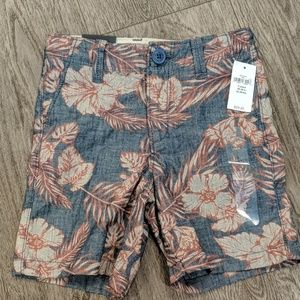 NWT...boys gap shorts